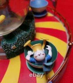 10.5 Disney Snowglobe DISNEYLAND TEACUP RIDE Animated Music Dumbo Duck Mouse
