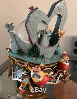 Alice In Wonderland Musical Snow Globe Queen of Hearts Disney Store