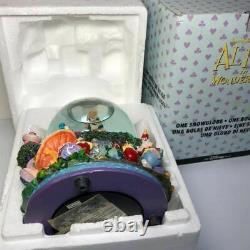 DISNEY Alice in Wonderland Figure Snowglobe Music Box DRINK ME #50
