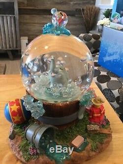 DISNEY DUMBO Snow Globe Music Box Blowing Bubbles Rare