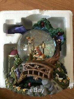 DISNEY's Lady and the Tramp Wet Cement Musical Snow Globe Bella Notte