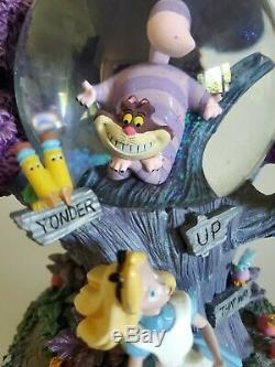 Disney Alice In Wonderland Cheshire Cat Musical Globe(light's up) I'm Late