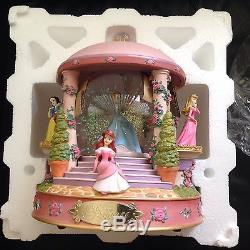 Disney Ariel Aurora BellePRINCESS GAZEBO Musical Spin Fig. Lite Up Snowglobe-MIB