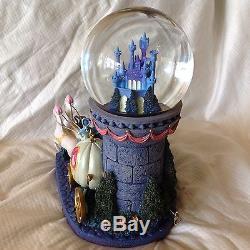 Disney CINDERELLA MAGICAL NITE Figurine Musical Lite Up Snowglobe-MIB