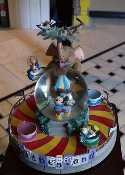 Disney DISNEYLAND TEACUP RIDE Mickey Goofy Donald Dumbo SNOW GLOBE/ MUSIC BOX