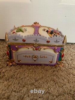 Disney Deluxe Sleeping Beauty musical jewelry box-RARE