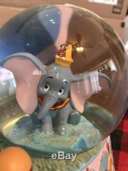 Disney Dumbo And Mrs. Jumbo Snowglobe Musical Globe Plays Rock A Bye Baby