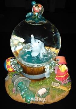 Disney Dumbo Takes A Bath Snow Globe Musical Electronic Bubbles Rock a Bye Large