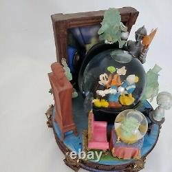 Disney Haunted Mansion Grim Grinning Ghosts Limited Edition Musical Snow Globe