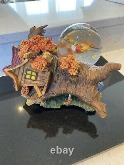 Disney Large Musical Winnie Stormy Pooh Snow Globe Rare Collectable Stunning