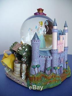 Disney Large Princess Snow Water Globe Music Box. A Dream Is A Wish