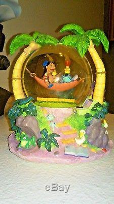 Disney Lilo & Stitch Aliens And Hammock Aloha Light Up Musical Snow Globe