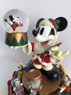 Disney Mickey Mouse Santas' Workshop Big Snow Globe Musical Motion Carousel