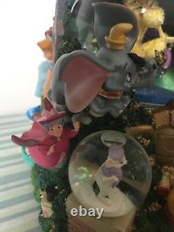 Disney Parade Aladdin Share a Dream Come True Musical Snow Globe With Styrofoam
