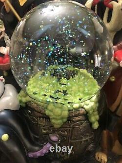 Disney Parks The Art of Disney Villains Light Up Eyes Musical SnowGlobe RARE