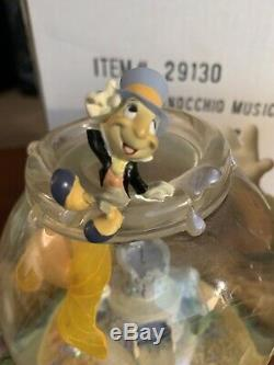Disney Pinocchio Jiminy Figaro Magic Musical Snowglobe Fish Bowl Very RARE