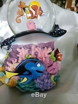 Disney Pixar FINDING NEMO CORAL REEF Music Box Figurine Snowglobe