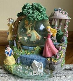 Disney Princess Snow Globe Snow White Cinderella Belle Music
