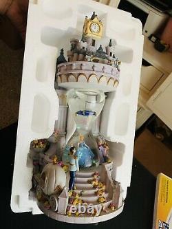 Disney Snow Globe HOURGLASS CINDERELLA Musical RARE Lights Up