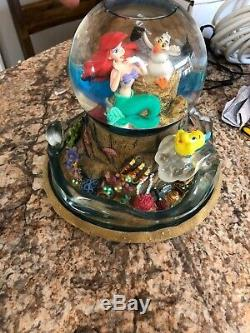 Disney Snow Globe LITTLE MERMAID Wind Up Musical Part Of Your World. Lights Up