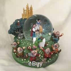 Disney Snow White & Seven Dwarfs Musical Box Figurines SnowGlobes-MIB