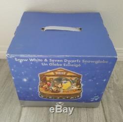 Disney Snow White & Seven Dwarfs Musical Rotating Snowglobe Water Snow Globe New