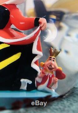 Disney Store ALICE IN WONDERLAND Queen of Hearts Musical SnowglobeRARE