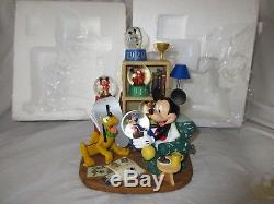 Disney Store Exclusive Mickey Mouse Through The Years Deluxe Musical Snowglobe