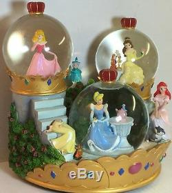 Disney Store Musical Princess Snowglobe plays A dream is a wish your heart make