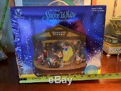 Disney Store Snow White and the Seven Dwarfs Music Box Snow Globe Rare Vintage