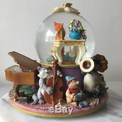 Disney The Aristocats Musical Snowglobe Everybody Wants To Be A Cat Snow Globe
