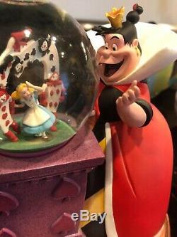 Disney Villains Musical Snow Globe Alice In Wonderland Queen Of Hearts Works