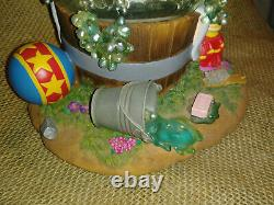 Disney Vintage Snow Globe Dumbo Takes A Bubble BathMusical see video