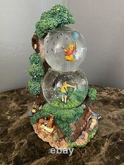 Disney Winnie The Pooh Christopher Robin Two Tier Snow Music globe Made In Japan