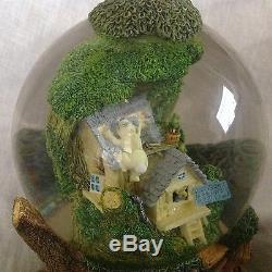 Disney Winnie the Pooh TREE HOUSE Musical Snow Globe -MIB