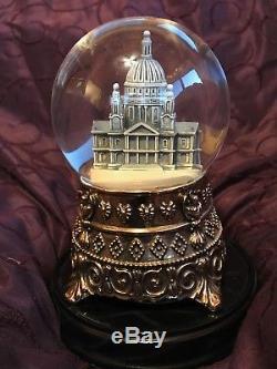 Disney's Mary Poppins Commemorative Musical Snow Globe NIB & EXTREMELY RARE
