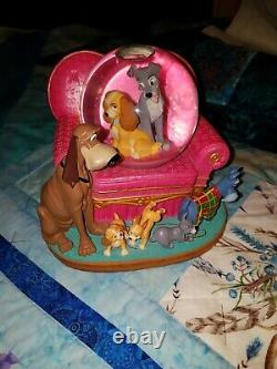 Disney snowglobe Lady and the Tramp Family Musical Snow Globe
