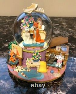 Extremely Rare Vintage Disney Aristocats Large Musical Water Globe