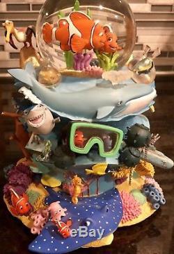 Genuine Authentic Disney Store Finding Nemo Coral Reef Musical Snowglobe Rare