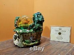 LIMITED EDITION Disney Lion King Hakuna Matata Waterfall Music Water Snow Globe