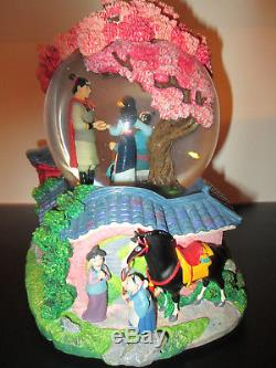 Mulan Walt Disney 8 Musical Snowglobe Plays Reflection Rotating Base
