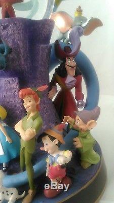 NIB Wonderful World Of Disney Musical Snow Globe with Lights, Mickey, Alladin