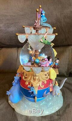 Official Disney Aladdin Musical Snowglobe! A Whole New World Beauty & Beast
