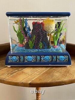 RARE 2003 Disney Finding Nemo Aquarium Fish Tank Snow Globe Music Box. NO CRACKS