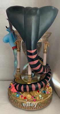 RARE DisneyALADDINJASMINESnow Globe Musical & Lights Stunning GENIE JAFER FUN