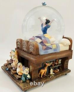 RARE Disney Globe SNOW WHITE WAKING UP with 7 Dwarfs Musical Snowglobe MINT COND