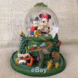 RARE Disney Mickey Mouse & Friends PICNIC DAY Musical Snow Globe