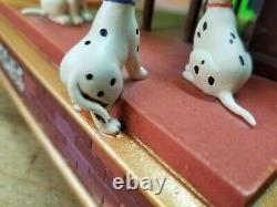 RARE Disney Store 101 Dalmatians Cruella De Vil Musical Light Up Snow Globe