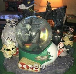RARE Disney Store Nightmare Before Christmas Large Musical Snow Globe