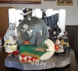 RARE Disney Store Nightmare Before Christmas Large Musical Snow Globe With Box22